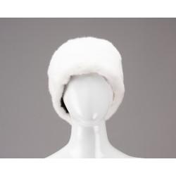 Moteriška kepurė pagaminta iš Audinės kailio.